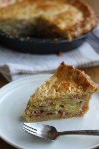Potato and Bacon Tart - creamy potato and bacon, all wrapped up in a flaky buttery pastry. #potato #bacon