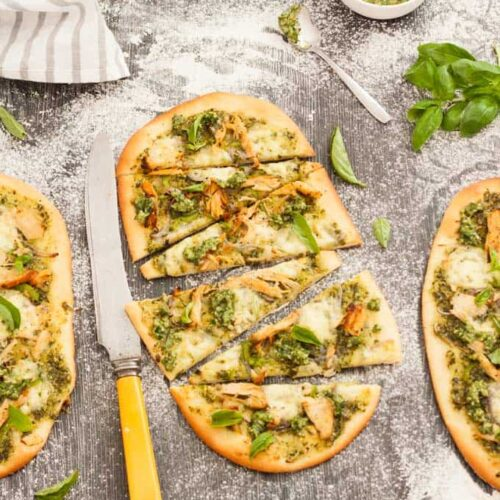 Easy Flatbread with Turkey and Basil Pesto. Simple to make and great for using up leftover roast meat #easyflatbread #basilpesto