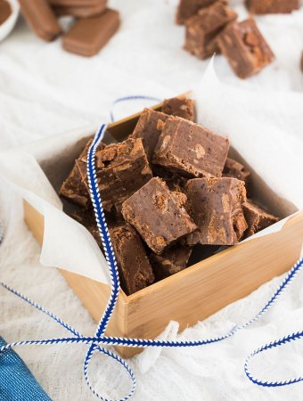 This Milo Tim Tam Chocolate Fudge recipe is the easiest chocolate fudge recipe filled with tim tams and milo. Aussie food at it's best.